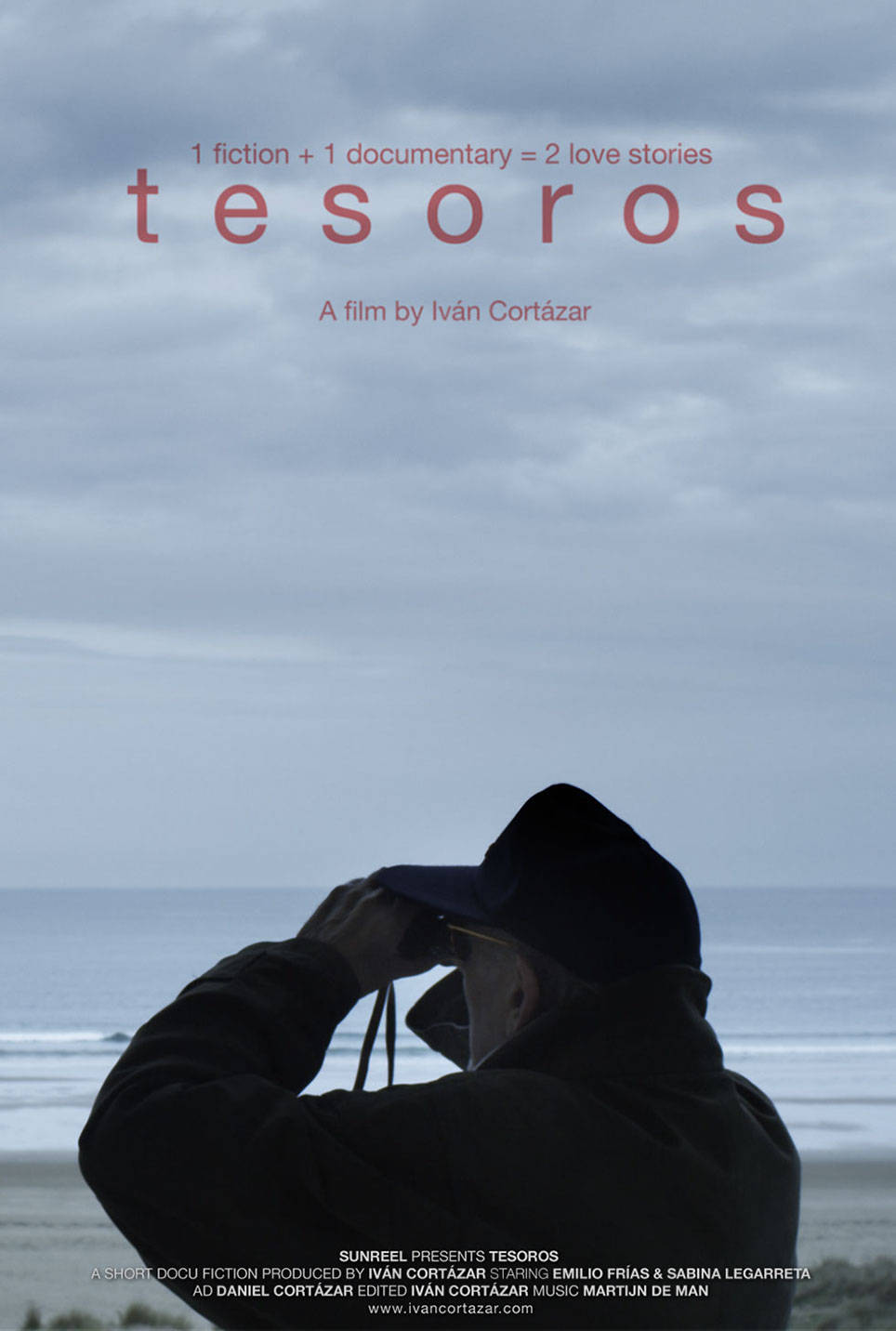 Poster for the short film Tesoros featuring a man with binoculars on an empty beach